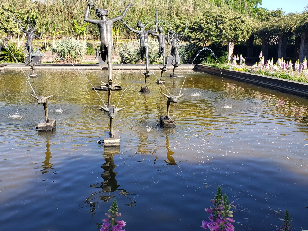 fountain display